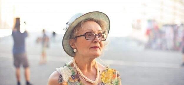 Alzheimer senhora idosa