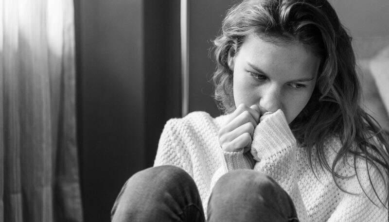 Melancolia - mulher triste melancólica