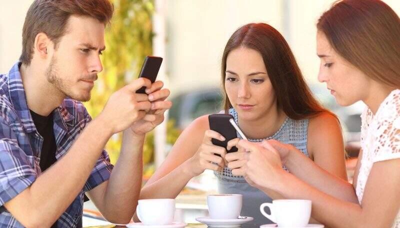 Vício em redes sociais pode gerar ansiedade e depressão