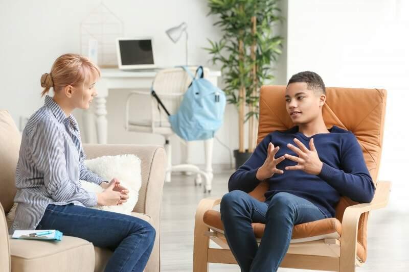 Síndrome de Tourette: Como funciona a mente de quem tem o transtorno e quais os tratamentos?