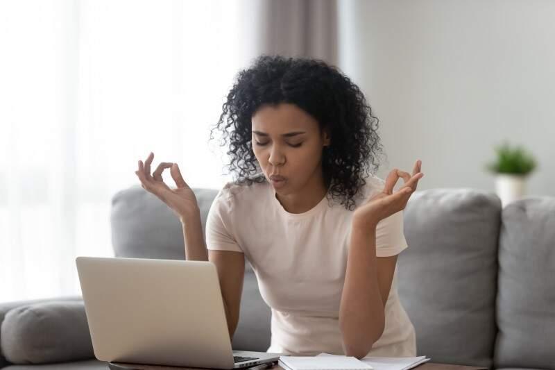 Quais são os sintomas de crise de ansiedade e pânico?