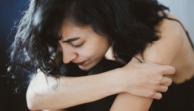 9 sintomas físicos da ansiedade que você precisa conhecer