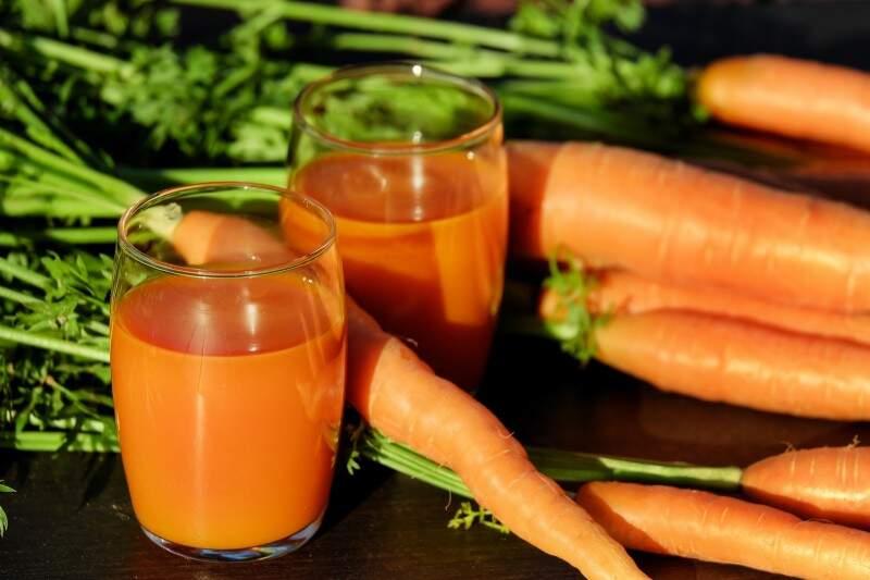 Vitaminas que ajudam a manter a saúde mental cenoura